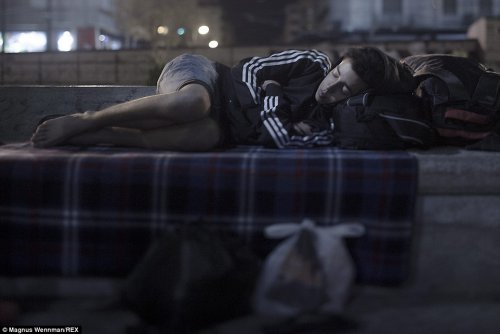 2CD6B21800000578-3251456-Abdul_Karim_17_spends_his_nights_bedding_down_on_the_ground_in_O-a-1_1443434632131