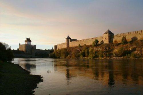 5158-08-Narva_fortress