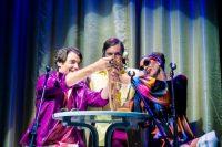 Gledališka predstave Vse, kar smo izgubili, medtem ko smo živeli, skupine Beton Ltd. v gledališču Anton Podbevšek Teater, Novo mesto. Foto Borut Peterlin